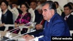Президент Таджикистана Эмомали Рахмон на встрече с представителями интеллигенции. Душанбе, 19 марта 2015 года.