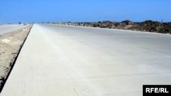 Шоссе Баку - российская граница. Для граждан Грузии оно теперь бесполезно