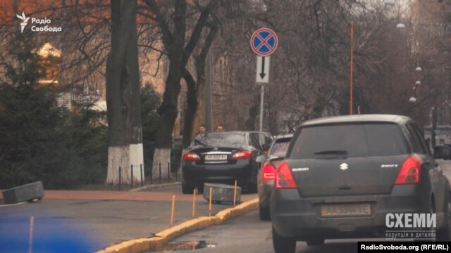 «Інфініті», що належить заступнику начальника відділу робочого апарату Українського бюро Інтерполу Руслан Соцький