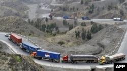 انتقال اموال تجارتی توسط موترهای باربری در پاکستان