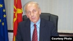 Томе Аџиев, претседател на Комисијата за верификација на факти, односно Комисија за лустрација.