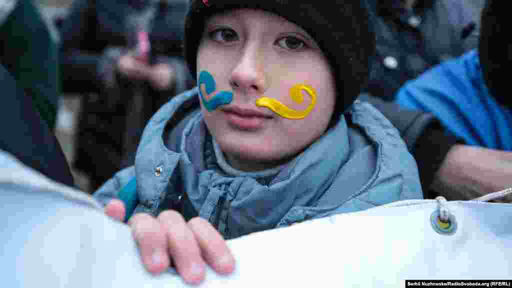 22 января торжественные и различные массовые мероприятия проходят на улицах Киева и других городов страны.