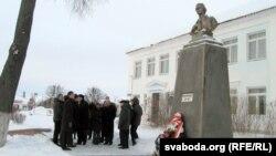 Ля помніка Каліноўскаму