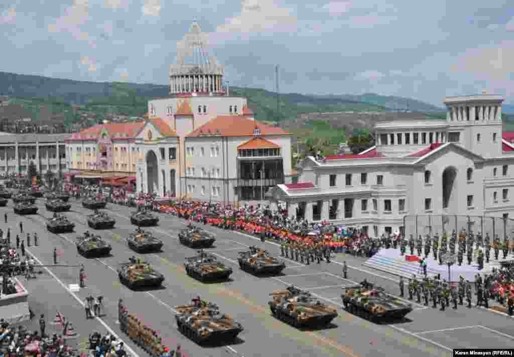 Nagorno-Karabakh -- Karabakh Armenian army holds a military parade, Stepanakert, 09May2012