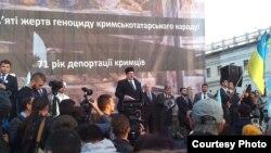 Рефат Чубаров Киев җыенында чыгыш ясый
