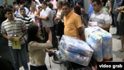 Ереван, аэропорт «Звартноц», сирийские армяне прибывают в Армению