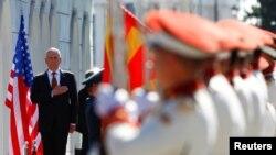Американскиот секретар за одбрана Џејмс Матис во посета на Македонија