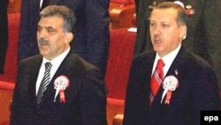 President Obama reached out to Turkish President Abdullah Gul (left) and Prime Minister Recep Tayyip Erdogan for help in the Middle East and Afghanistan.