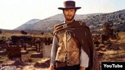 """Clint Eastwood, """"Yaxşı, pis, zalım"""" filmində."""