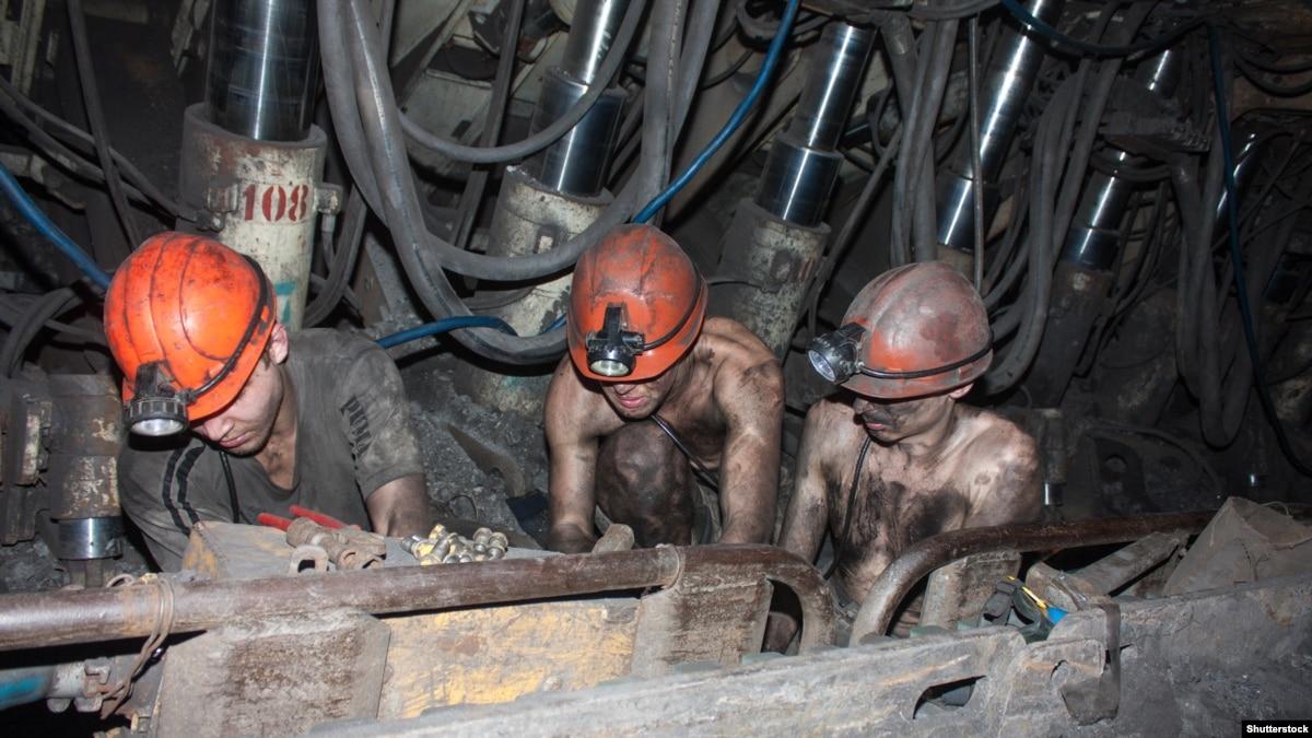 Куда идут деньги за уголь из оккупированного Донбасса?