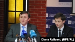 Iurie Ciocan (CEC) și Leonid Litra (Viitorul)