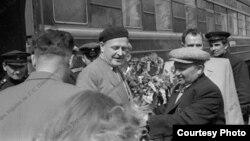 Nazim Hikmət Kiyev vağzalında