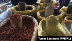 Популярные в грузинской кухне пряности, как выяснилось, «сдабривали» растениями и красителями, опасными для здоровья человека