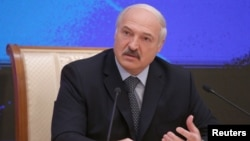 Олександр Лукашенко на прес-конференції в Мінську, 17 листопада 2016 року