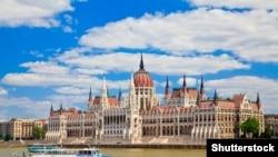 Здание парламента в центре Будапешта.