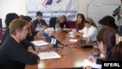 Tajikistan--- Women NGO representatives gathered to discuss gender issues in Tajikistan, Dushanbe, 16Oct2007