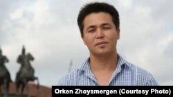 Репортер Азаттыка в Нур-Султане Оркен Жоямерген.