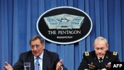 U.S. -- US Defense Secretary Leon Panetta and