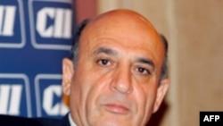 آقای موفاز می گوید که محمد البرادعی سر خود را زیر برف کرده است.