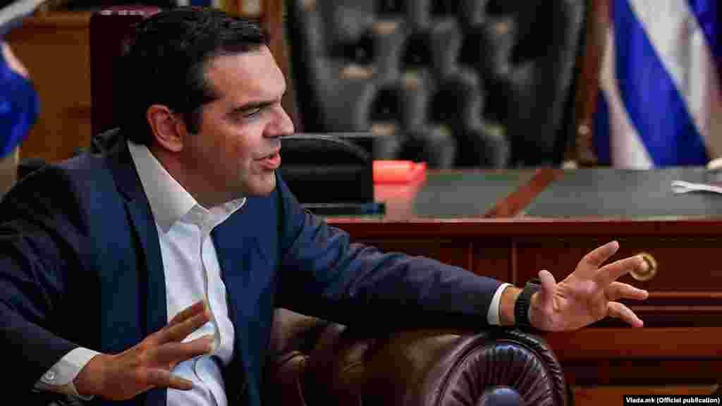 ГРЦИЈА - Грчкиот премиер Алексис Ципрас најави намалување на даноците за храна и енергија, како и откуп на дел од грчкиот долг од Меѓународниот монетарен фонд.
