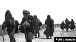 Kazakhs fleeing the famine of the early 1930s