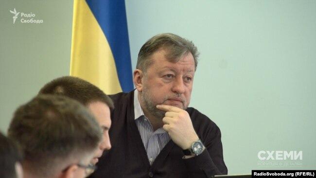 Віктор Шемчук визначає, чи достатній фах у претендентів на звання прокурора, призначає для них дисциплінарну відповідальність