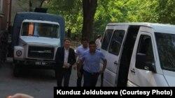 Сапар Исаков (слева). 31 июля 2018 года.