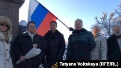 Активисты отмечают годовщину разгона Учредительного собрания, Петербург, 18 января 2016 года