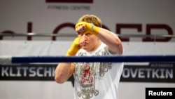 The World Boxing Council decided not to ban Russian heavyweight boxer Aleksandr Povetkin despite testing positive for using meldonium.