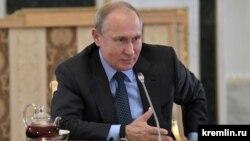 Владимир Путин на встрече с мировыми информационными агентствами 6 июня 2019 г.