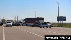 Черга з авто на адмінкордоні з Кримом