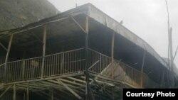Сожженная гостиница около Алушты, которой владел предприниматель – крымский татарин