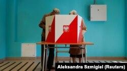 Saýlawçylaryň 51,21 göterimi häzirki prezidente, 47,79 göterimi Tşaskowskä ses berdi.