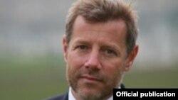 Фотография Стефана Висконти с официального сайта посольства Франции в Латвии