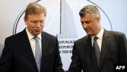 Komesar za proširenje EU prilikom susreta sa kosovskim premijerom Hashimom Thaçijem, 27. mart 2012.