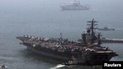 Оңтүстік Корея мен АҚШ бірлескен әскери жаттығуынан көрініс. Мамыр, 2013 жыл. (Көрнекі сурет)