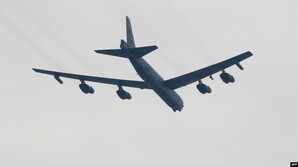 У відповідь наядерні випробування КНДР США відправили бомбардувальник в Південну Корею