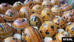 Ukraine -- Eggs, Easter, Easter eggs, 16Apr2009