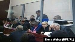 Бауыржан Әбдішев сотта жауап беріп тұр. Қарағанды, 16 қараша 2015 жыл.