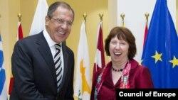 Глава МИД РФ Сергей Лавров и шеф дипломатии ЕС Кэтрин Эштон: дипломатические улыбки и непростые переговоры