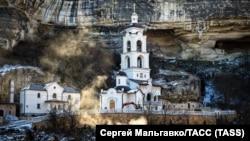 Свято-Успенский мужской монастырь, Бахчисарай, Крым, 25 января 2018 год
