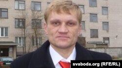 Гражданский активист Сергей Коваленко. Витебск, 5 декабря 2011 года.