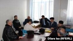 Собрание гражданских активистов по вопросу о поправках к 26-й статье Конституции. Шымкент, 10 февраля 2017 года.