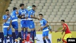 شاگردان علی دایی توانستند با تساوی ۱-۱ استقلال را متوقف کنند تا علیرضا منصوریان در برابر تیم سابقش از کسب پیروزی باز بماند.