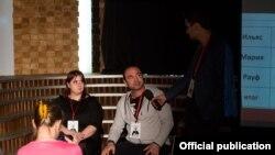 Рауф Джафаров (в центре) на испытаниях премии имени Гарри Гудини. Фото: премия имени Гарри Гудини