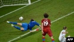 Чехияның жартылай қорғаушысы Йирачектің гол соққан сәті. Вроцлав, 16 маусым 2012 жыл