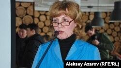ТЭН жобасын таныстырған Наталья Огарь. Алматы, 25 ақпан 2014 жыл.