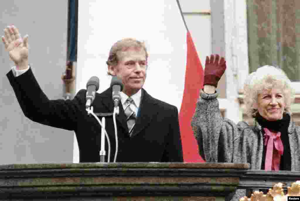 On December 29, 1989, Vaclav Havel and his wife, Olga, greeted citizens at Prague Castle after being appointed by the Federal Assembly as the new president of Czechoslovakia.