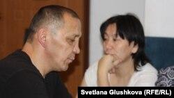 Адилбек Мейрамов и его жена. Астана, 28 декабря 2015 года.
