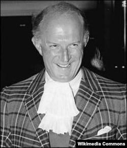 Fitzroy Maclean (cca. 1990)